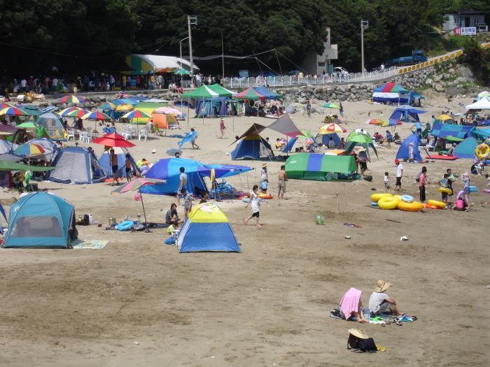 tent05.jpg